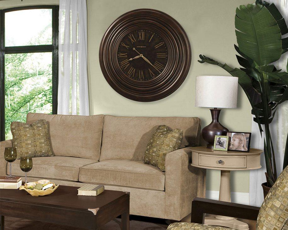 Часы из каких материалов лучше выбрать для дома?