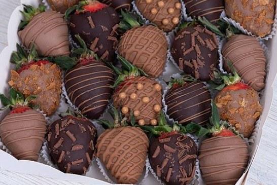 Интересные варианты приготовления клубники в шоколаде