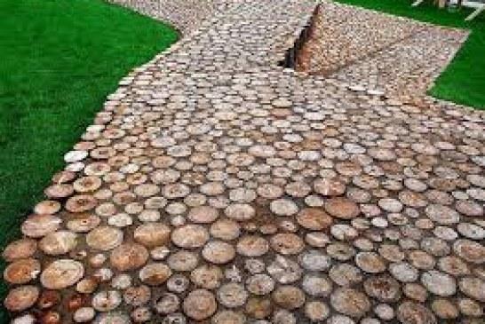 Особенности обустройства садовой дорожки из спилов дерева
