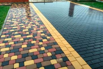 Об преимуществах и недостатках укладки тротуарной плитки на даче
